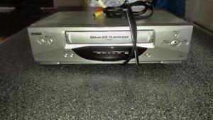 Lecteur cassette VHS Sanyo