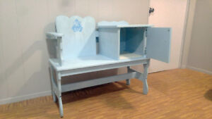Bench For Entry Hall. Storage for Boots/Gloves. Great Shape!
