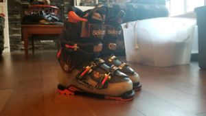 Salomon Quest Size 26 with hike mode.