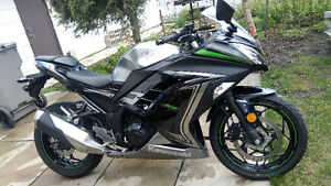 Special Edition Ninja 300 price reduced by $450