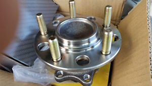 Rear wheel bearing & spindle 2009 Jeep Compass