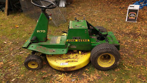 John Deere R70 riding mower chassis