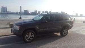 2004 Loaded AWD Jeep Grand Cherokee Overland SUV, Crossover