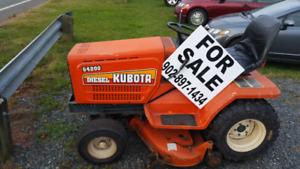 Kubota Diesel garden tractor G4200 lawn mower