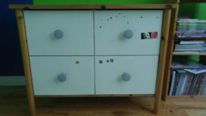 Commode blanche 4 tiroirs IKEA