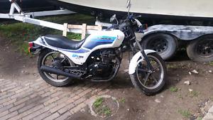 1987 kawasaki 305 gpz....first 1200.00