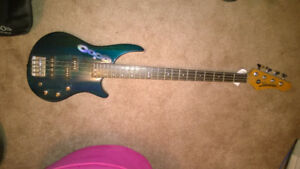 Samick Vantage bass guitar & Kustom Bass Amp - great quality