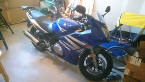 2004 Suzuki GS500F, as is, with hard-case and stand