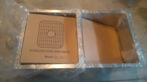 "Luxury 32"" Stainless Steel Kitchen Sink New in Packaging Kitchener / Waterloo Kitchener Area image 1"