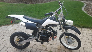 125 cc Dirt Bike