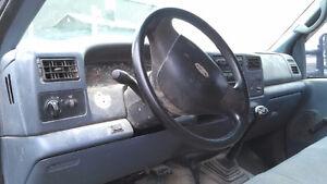 1999 Ford F-250 XL Pickup Truck