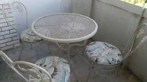 6-piece Hauser Wrought Iron Patio Set With Baker's Rack