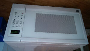 Micro-ondes Kenmore 1550W