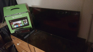 Xbox one with Kinect + 32 inch flat screen