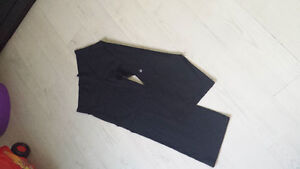 LULULEMON Relaxed Crops Size 6