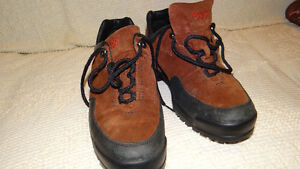 Hiking shoes Rockport (for men or women) Size 8.5