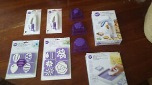 WILTON cake decorating products