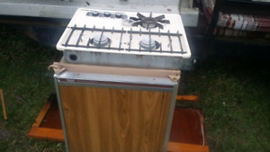 Apache .3 way fridge & stove and furnace  and power pack