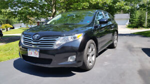 2010 Toyota Venza AWD for sale..... snowing today!!!