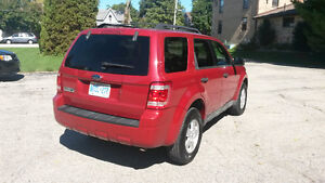 2009 Ford Escape SUV, Crossover Kitchener / Waterloo Kitchener Area image 2