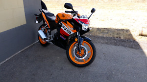 125r Repsol Edition. **READ FULL ADD**