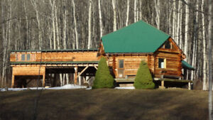 FOR RENT BEAUTIFUL 1 BEDROOM LOG HOUSE VERY PRIVATE