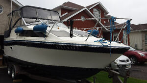 Bayliner 24 Foot cabin cruiser