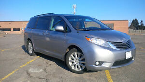 2012 Toyota Sienna AWD *Ultimate Family Ride*