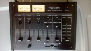 MIXER stereo Realistic (micro,photo,aux,tape)