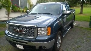 Owner Operator with late model 4X4 HD 1/2 Ton Campbell River Comox Valley Area image 1