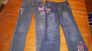 3$/ 2 pairs of jeans size 6 girls *REDUCED *