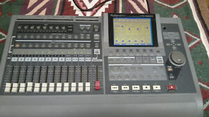ROLAND VS-1680 24 Bit Digital Workstation - Loaded with Features