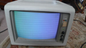 Vintage IBM Color Display PERSONAL COMPUTER MONITOR 5153 .