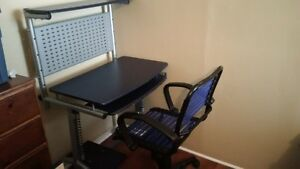 Desk and chair 80 or best offer