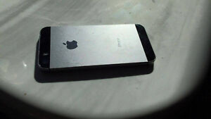 iPhone 5S 32GB space Grey, Locked to Bell, 7/10 Peterborough Peterborough Area image 7