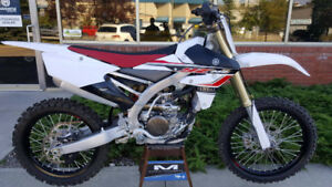 2017 Yamaha YZ250F - Only 1 Hour!!