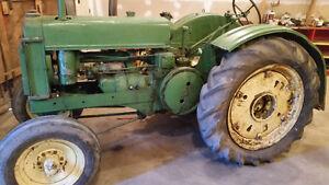 John Deere BR Tractor