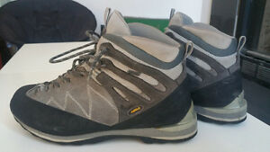 ASOLO LOTHAR  GORE-TEX LIGHT MOUNTAINEERING/HIKING BOOTS SIZE 44