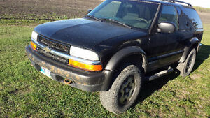 Moving Must sell 2003 Chevrolet Blazer Coupe (2 door)