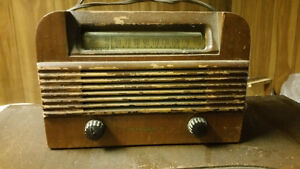 Antique wooden table top Radio in working condition