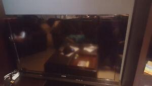 """52"""" Sony Bravia 1080 HDMI"""