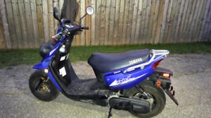 2005 Yamaha scooter