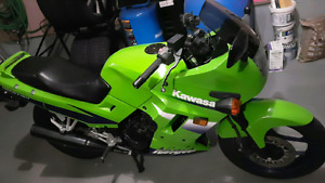 Kawasaki Ninja 250 - Perfect starter bike