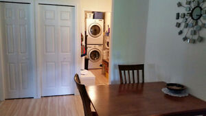 SALMON ARM 2 bedroom 2 bathroom bright close to town.