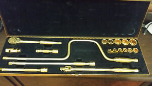 Snap on   70th anniversary 24kt gold plated ratchet set