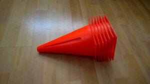 Petits cônes orange - 10pouces de haut