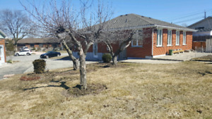 Beautifully Renovated Spacious 3Bdrm Bungalow-Upper Level