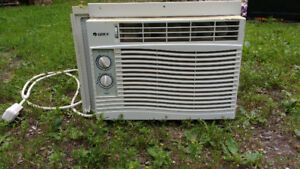 GOOD WORKING AIR CONDITIONER