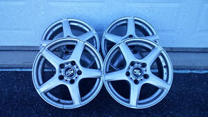 "4 mags, 16"", 5 trous, bolt pattern 5-120,"