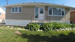 Bright Clean lower 2 Bedroom Bungalow